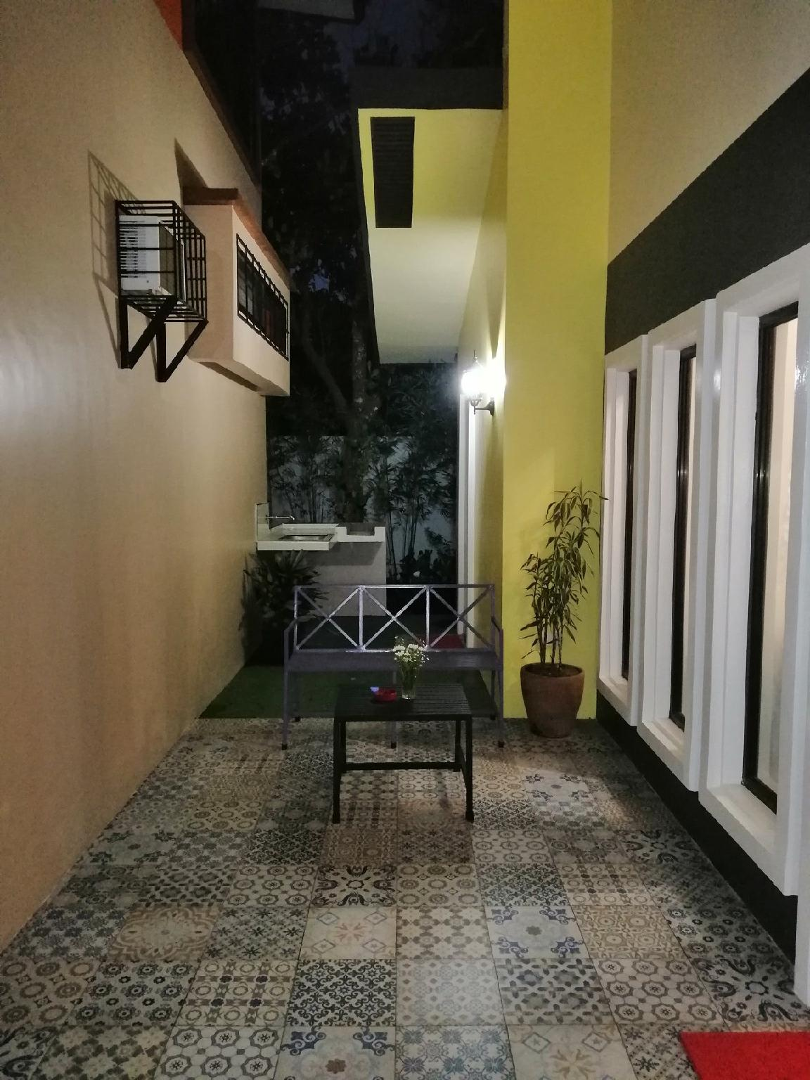 Jayvee's House In Tagaytay City By BR  7pax