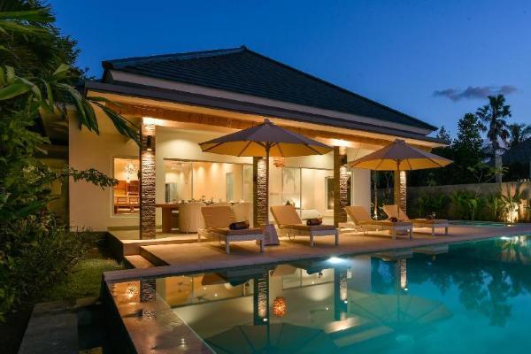 VILLA SANEVA – PRIVATE AND LUXURIOUS BEACHFRONT  Bali
