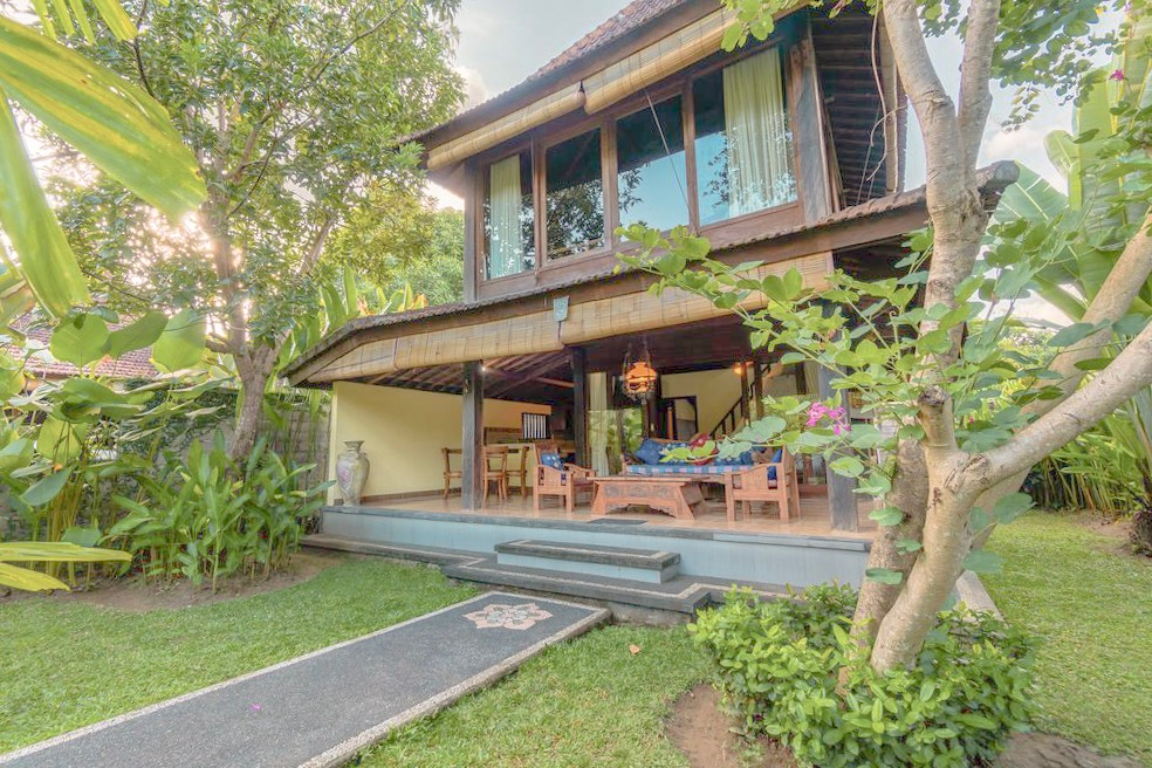 2 Story Lush Villa At Secluded Green Area Of Ubud