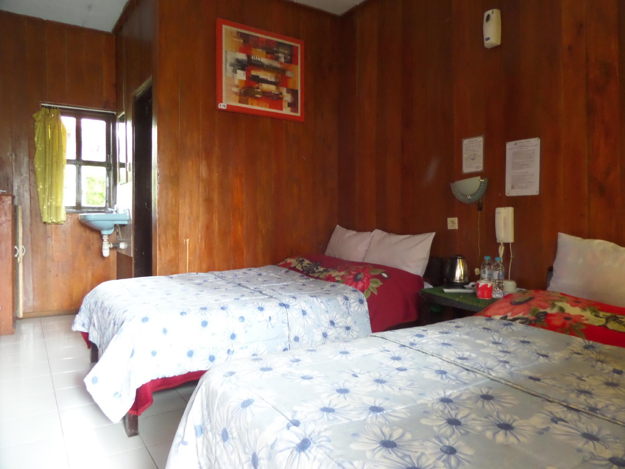 Standard Twin Cemara Indah Hotel Bromo