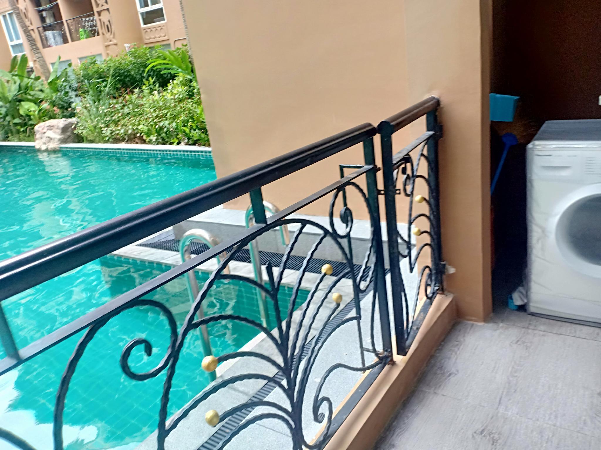 1 Bedroom Pool Access Corner Fully Furniture.
