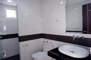 [パトン]ヴィラ(400m2)| 4ベッドルーム/3バスルーム Brand new villa with pool and Jacuzzi in Patong