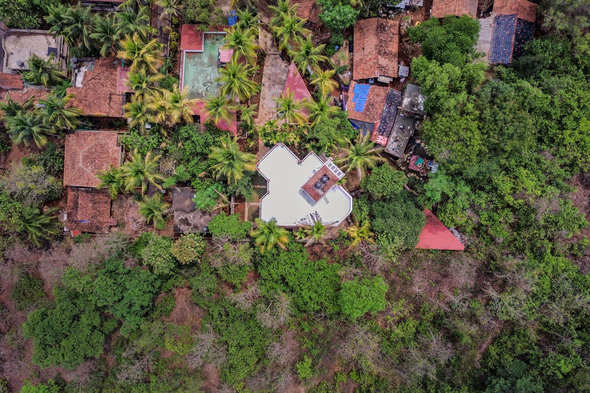Posh 4 Bedroom Villa In A Serene Locality 73848