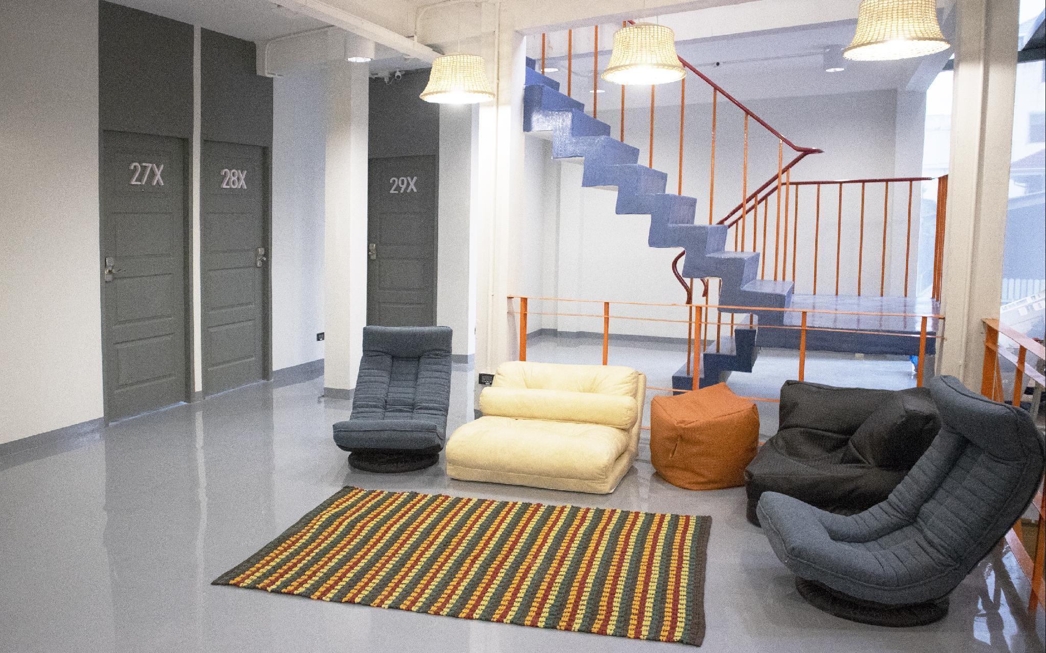 Cloud 9 Hotel Mixed Dorm 6 Beds
