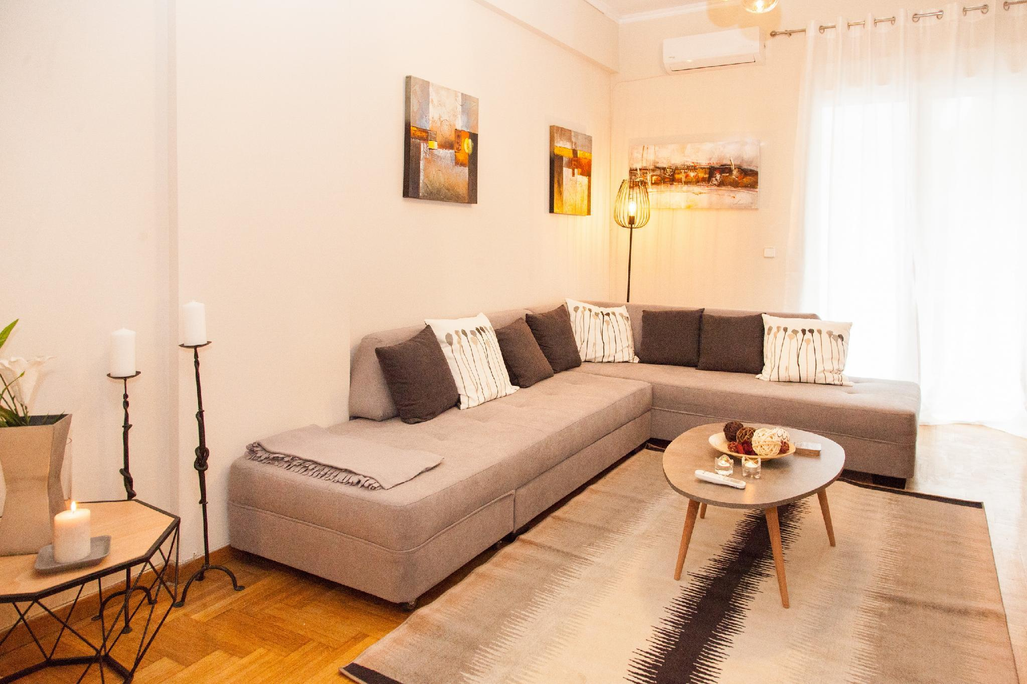 Stay In Pagkrati In A Newly Renovated Apartment