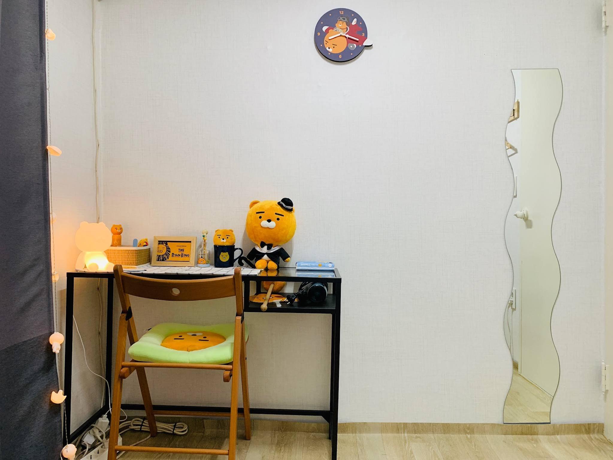 Room+plus 102  3mins Hongik Univ. Station Exit3