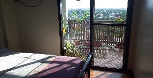 picture 1 of COZY BEAUTIFUL PENTHOUSE CONDO UNIT NEAR AIRPORT