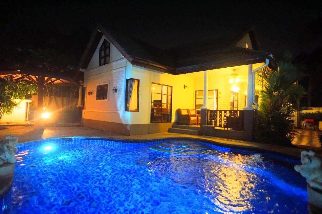 Modern 6 Bedroom Pool Villa