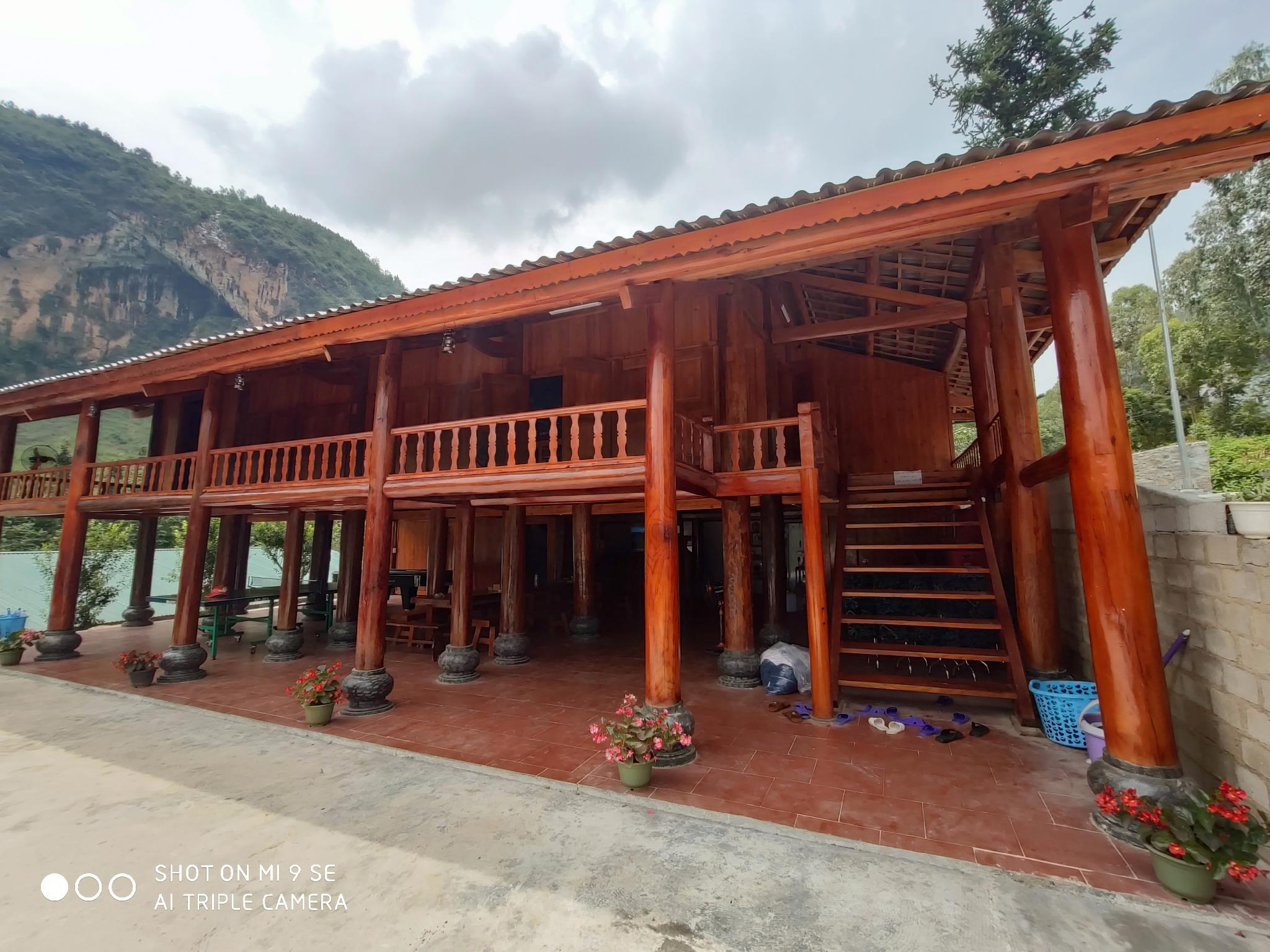 Stilt House Hostel