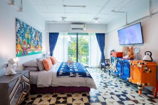 Modern Riverside Resort 16BR Sleeps 37 w/ 2 Pools Chiang Mai