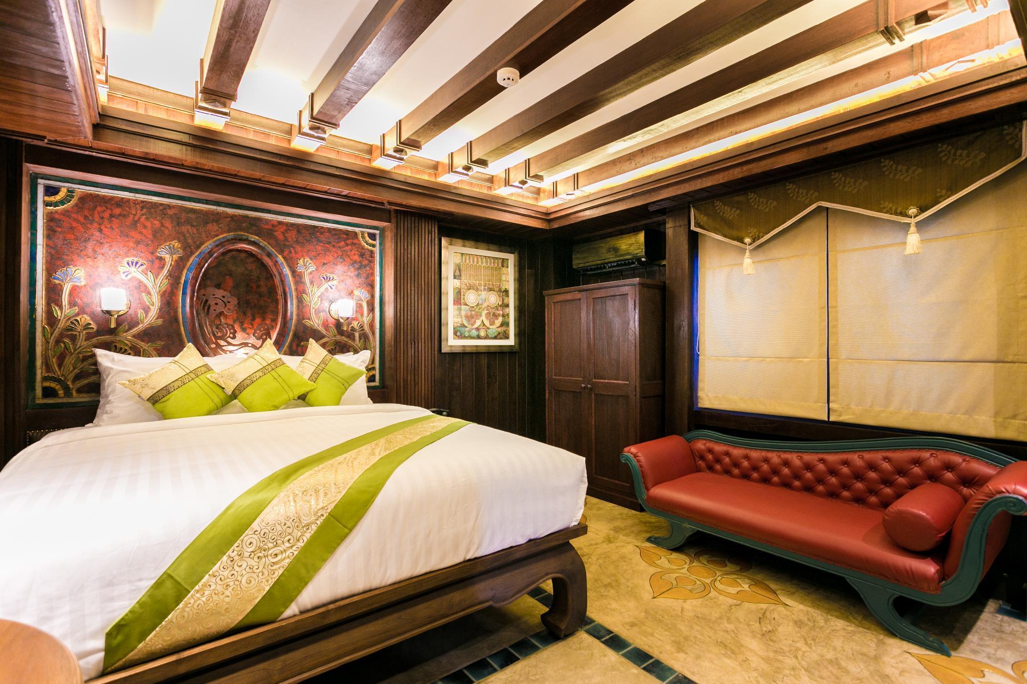Traditional Lanna Villa 18BR Sleep 36 w/Breakfast วิลลา 18 ห้องนอน 18 ห้องน้ำส่วนตัว ขนาด 3200 ตร.ม. – เขตเมืองเก่า