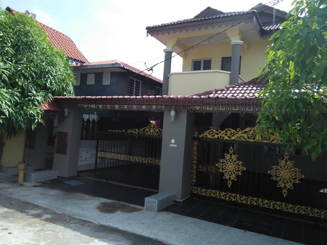 The Ring HomestayandRoomstay  Call Sebelum Booking