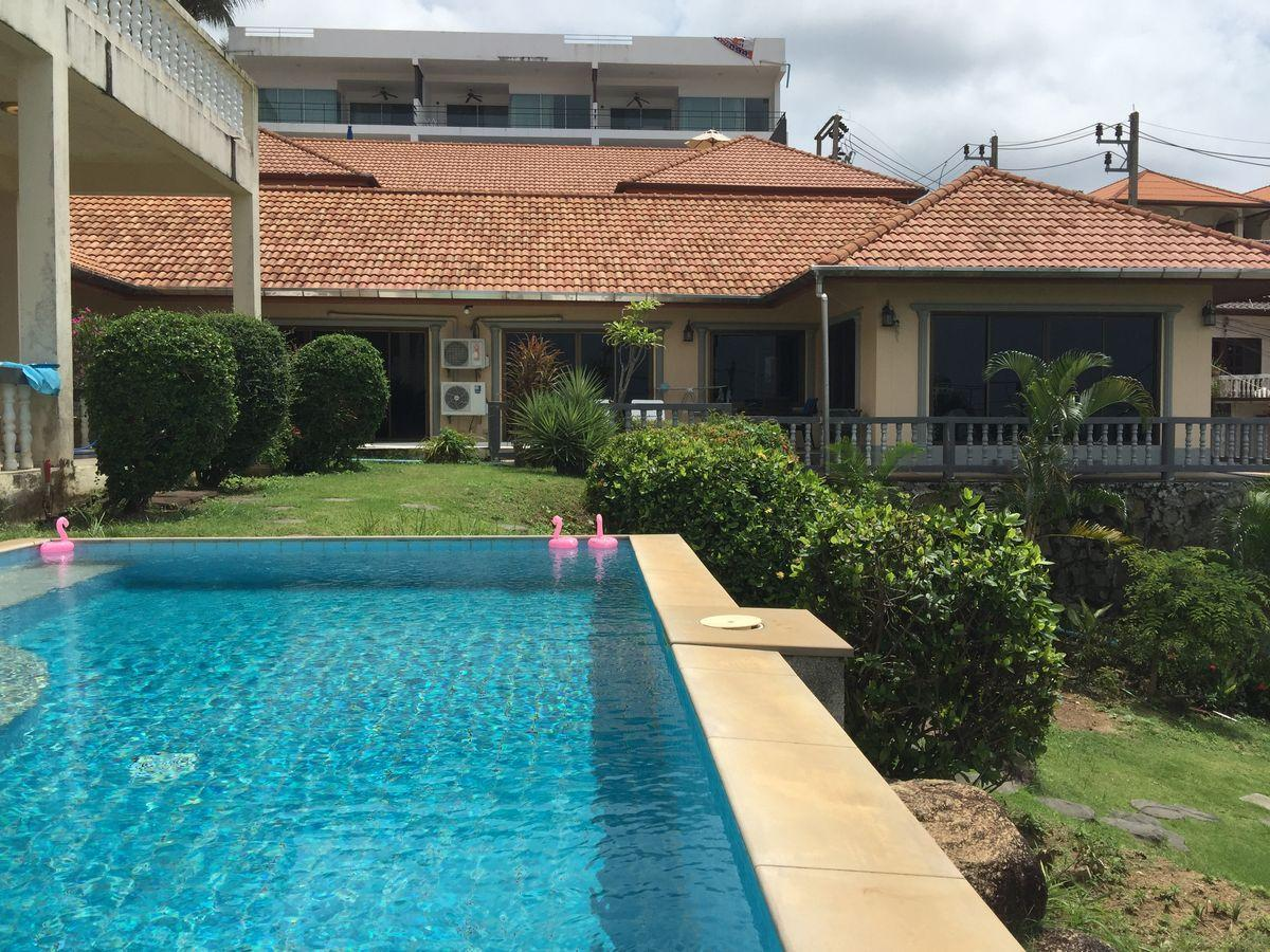 Spacious 3 Bedroom Villa Overlooking The Sea