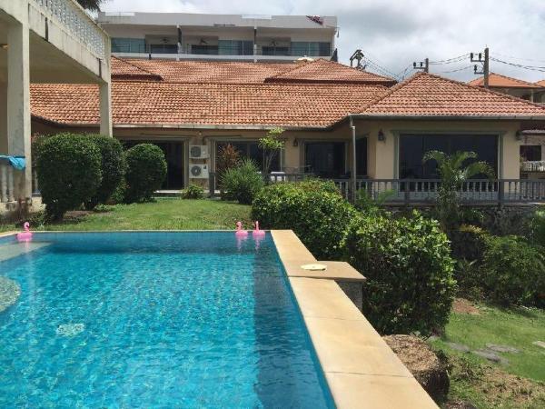 Spacious 3 bedroom Villa overlooking the sea Phuket