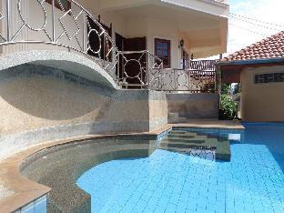 Spacious 2-bedroom apartment near Karon beach อพาร์ตเมนต์ 2 ห้องนอน 2 ห้องน้ำส่วนตัว ขนาด 90 ตร.ม. – กะรน