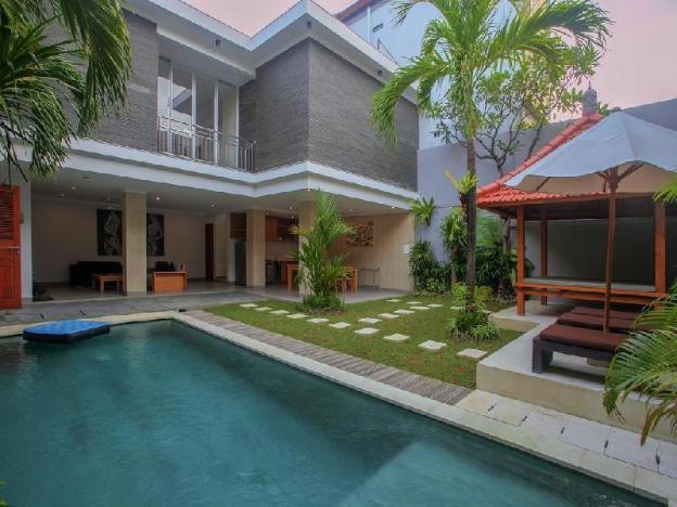 Nangdika Villas with 4BR Seminyak Centre