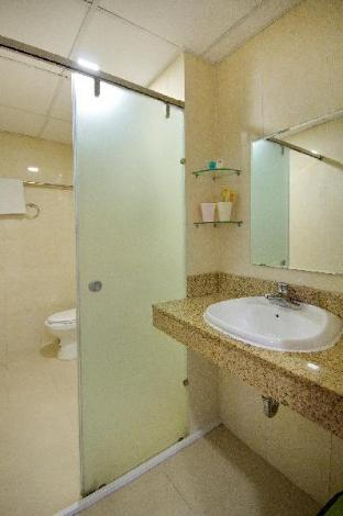 Фото отеля Cheap Apartment at Great Location-3422