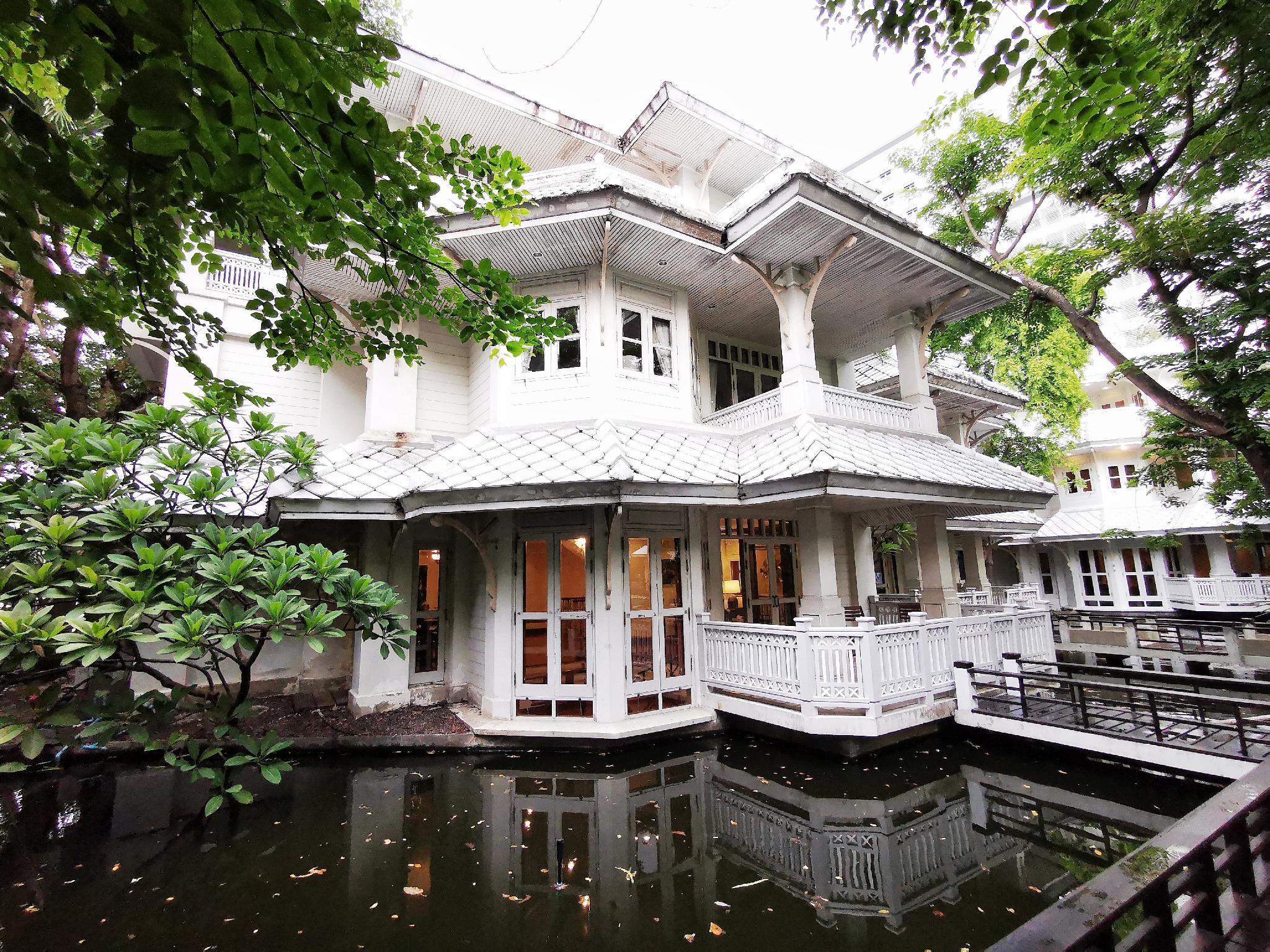 Royal River Villa