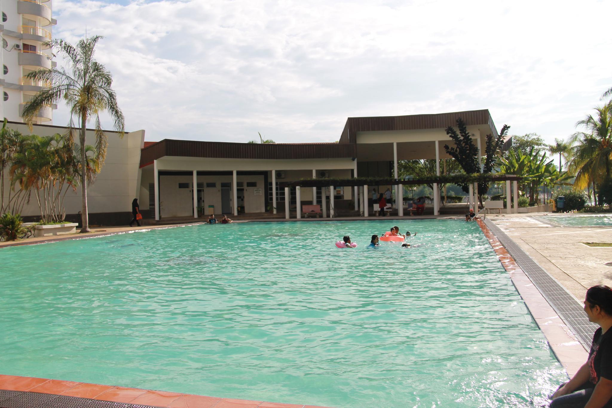 Fullhouse Marina View Villas