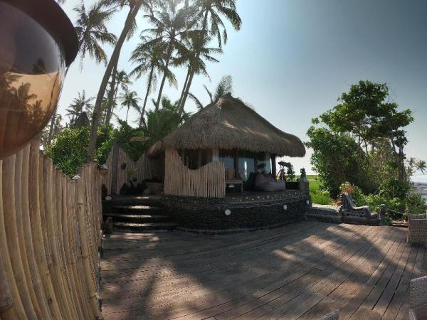 Nixie and the Sea - One-bedroom Beachfront Villa Bali