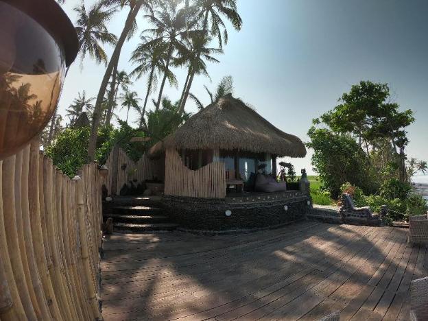 Nixie and the Sea - One-bedroom Beachfront Villa
