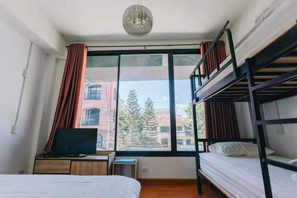 July-1st Nimman Boutique@Family Quad Room อพาร์ตเมนต์ 1 ห้องนอน 1 ห้องน้ำส่วนตัว ขนาด 40 ตร.ม. – นิมมานเหมินทร์