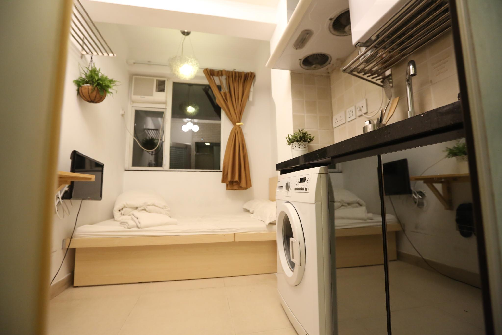 S340C  Mini Room With Open Area For Bed And Kitchen