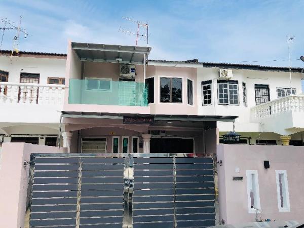 Seri Manjung HomeStay@Spacious Family Home Seri Manjung