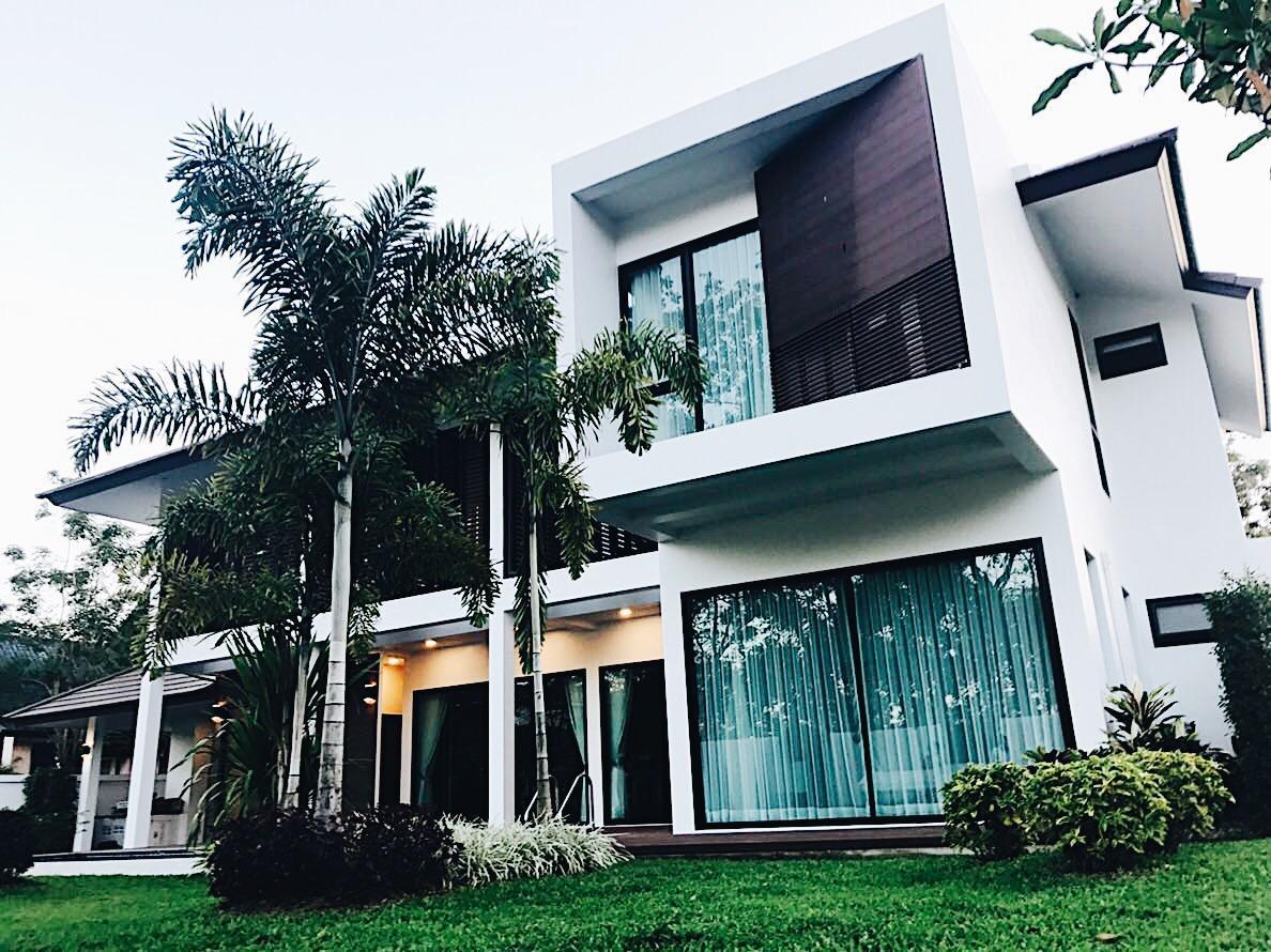Initial Dawn Modern Pool Villa