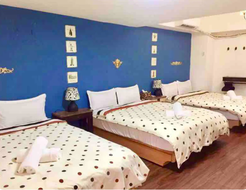 Room For 6 Pax At Ximending Shopping District