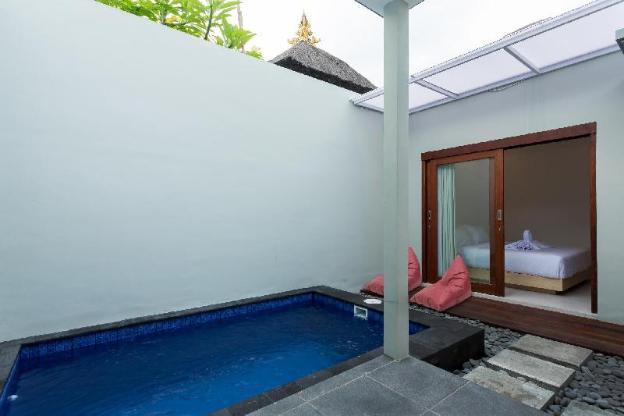 Quite Romantic Plunge Pool Villa Radea