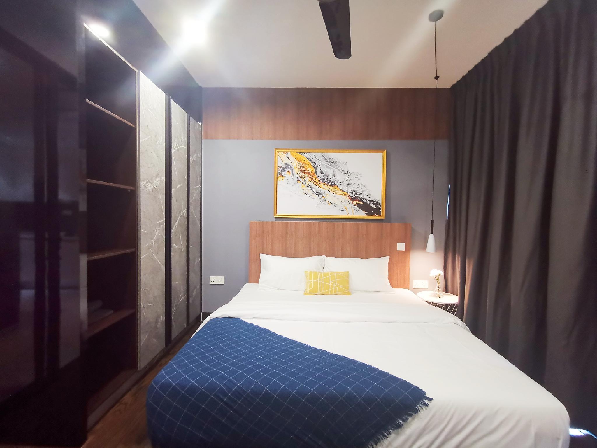 Almas Suites Balcony WIFI  0510 @ JB City Home