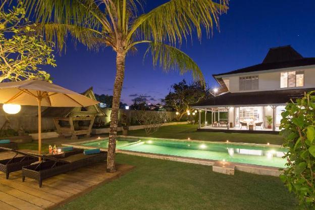 Spacious 4BR Villa Hasian Near Jimbaran Beach