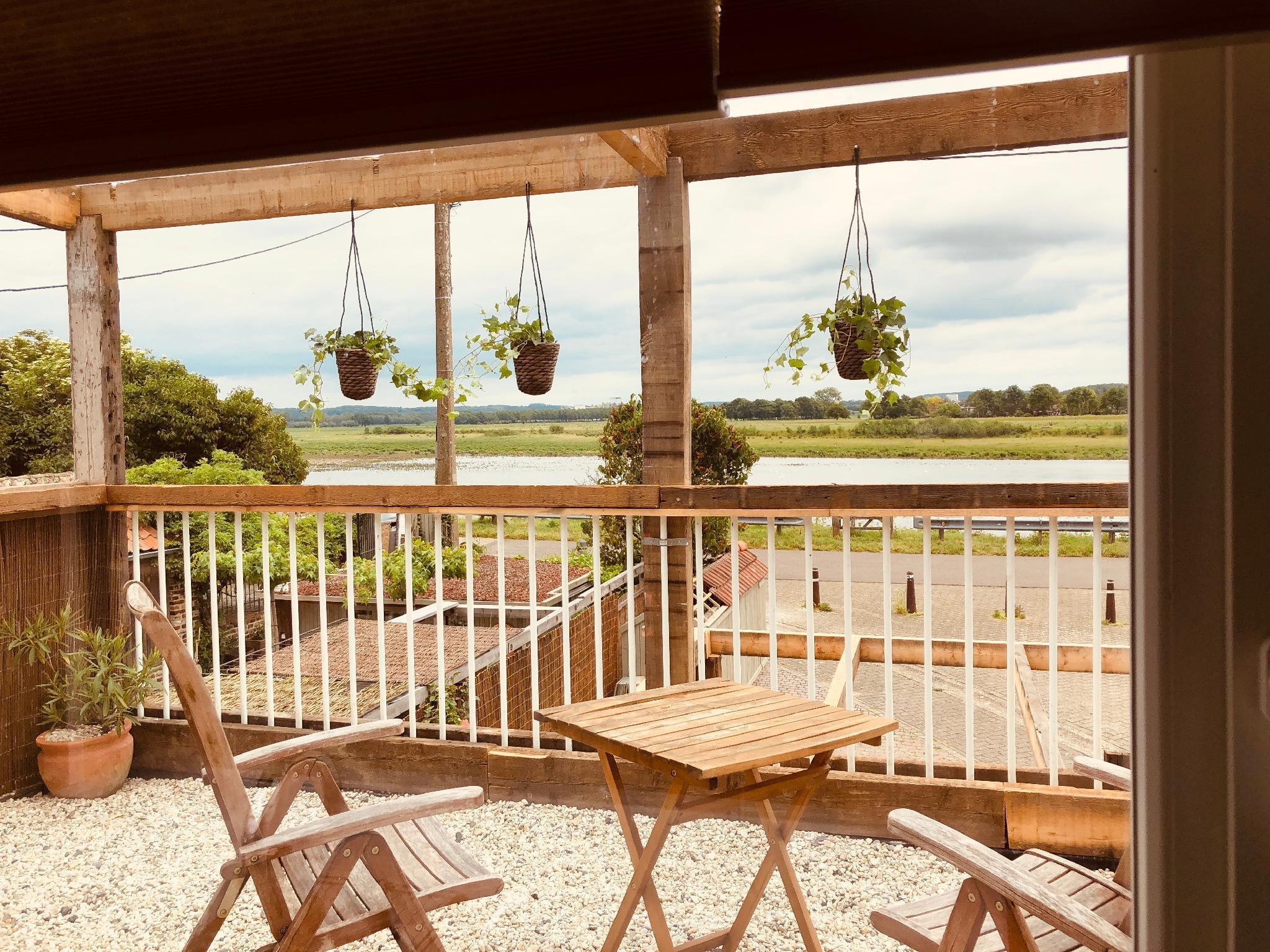 Luxe Wellness Loft With Sauna   Jacuzzi   Terrace