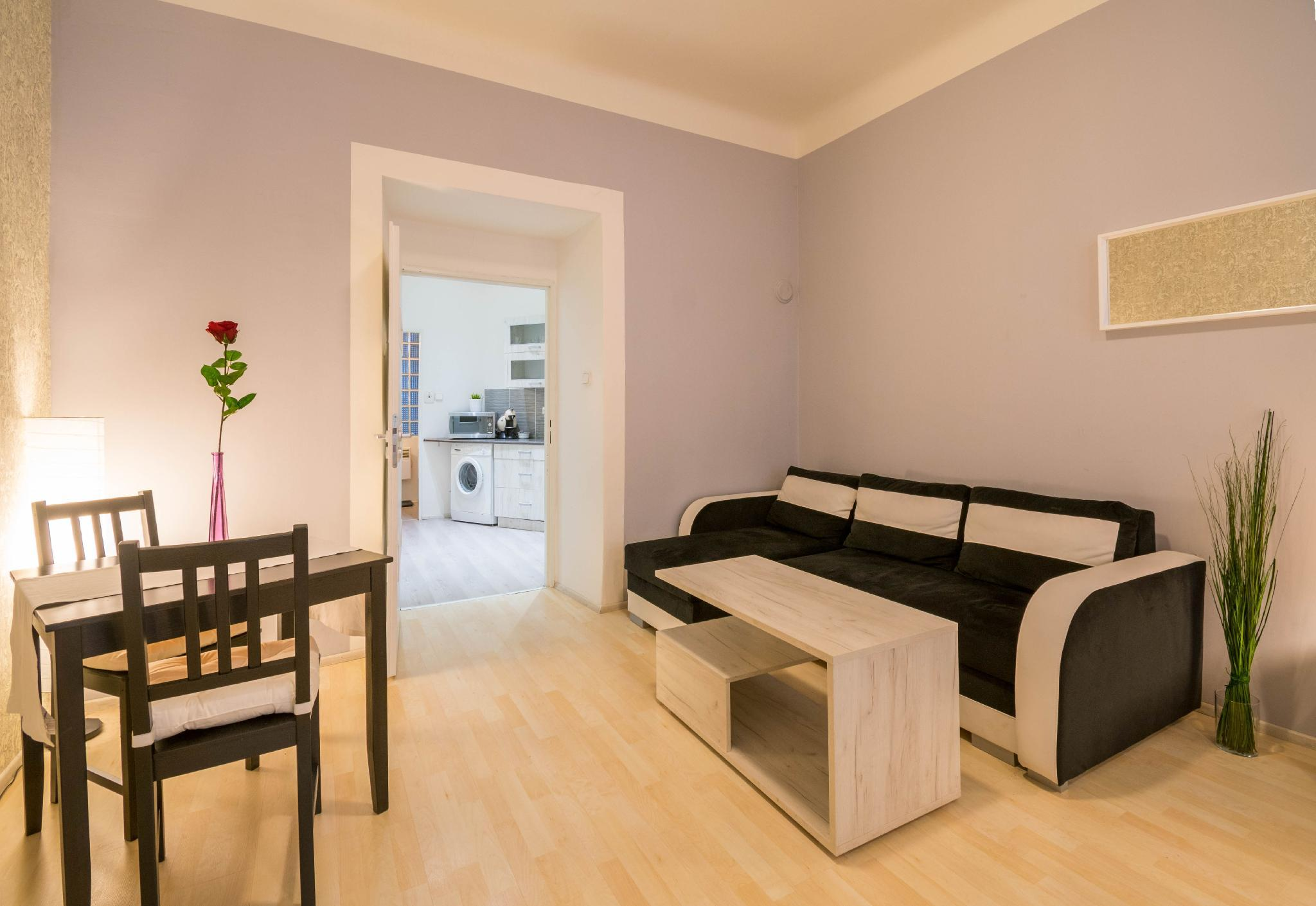 Chest Design Apartments