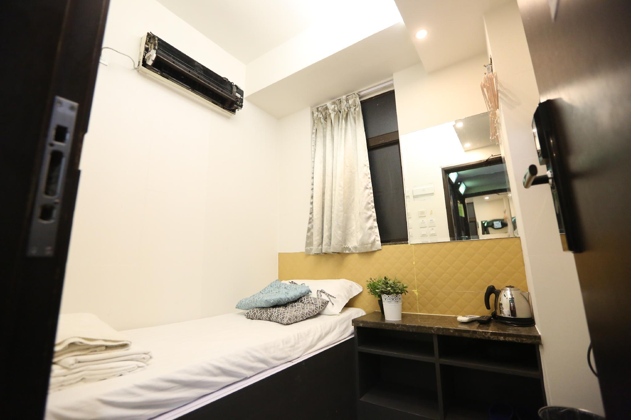 1508   Mini Lovely Room With Open Area W T Kitchen