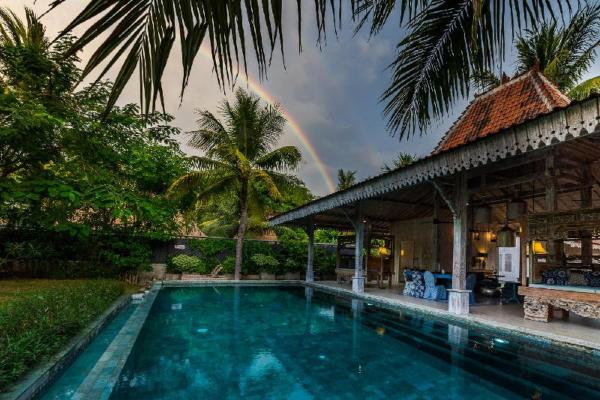 Villa Joglo - Beach View 3-bedroom Joglo at Lombok Lombok
