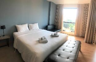 Navy Shades Hotel 35BR Sleeps 70 w/ Pool n/ Beach วิลลา 21 ห้องนอน 21 ห้องน้ำส่วนตัว ขนาด 480 ตร.ม. – นาจอมเทียน