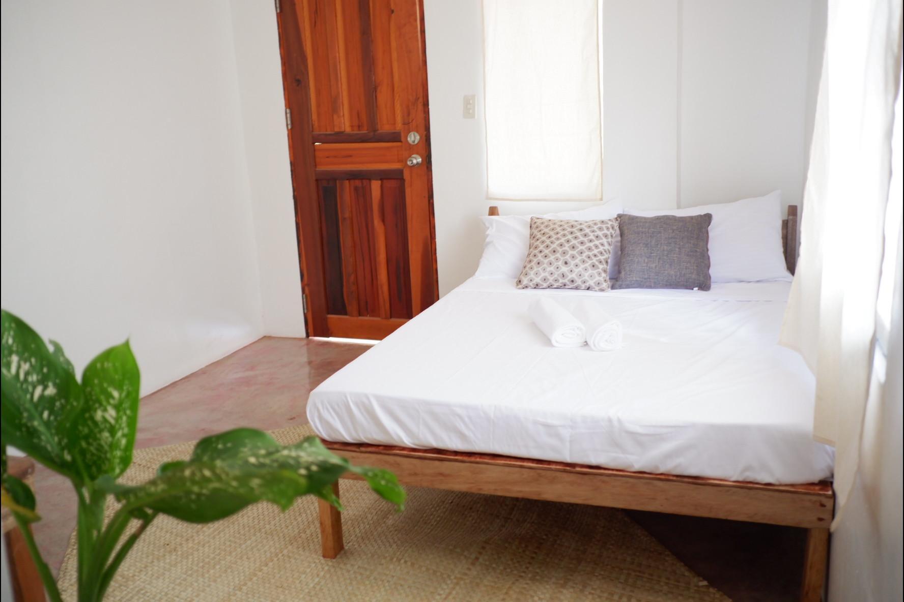 Tropical Room  3 Near Kermit Resto   GRAY PAD