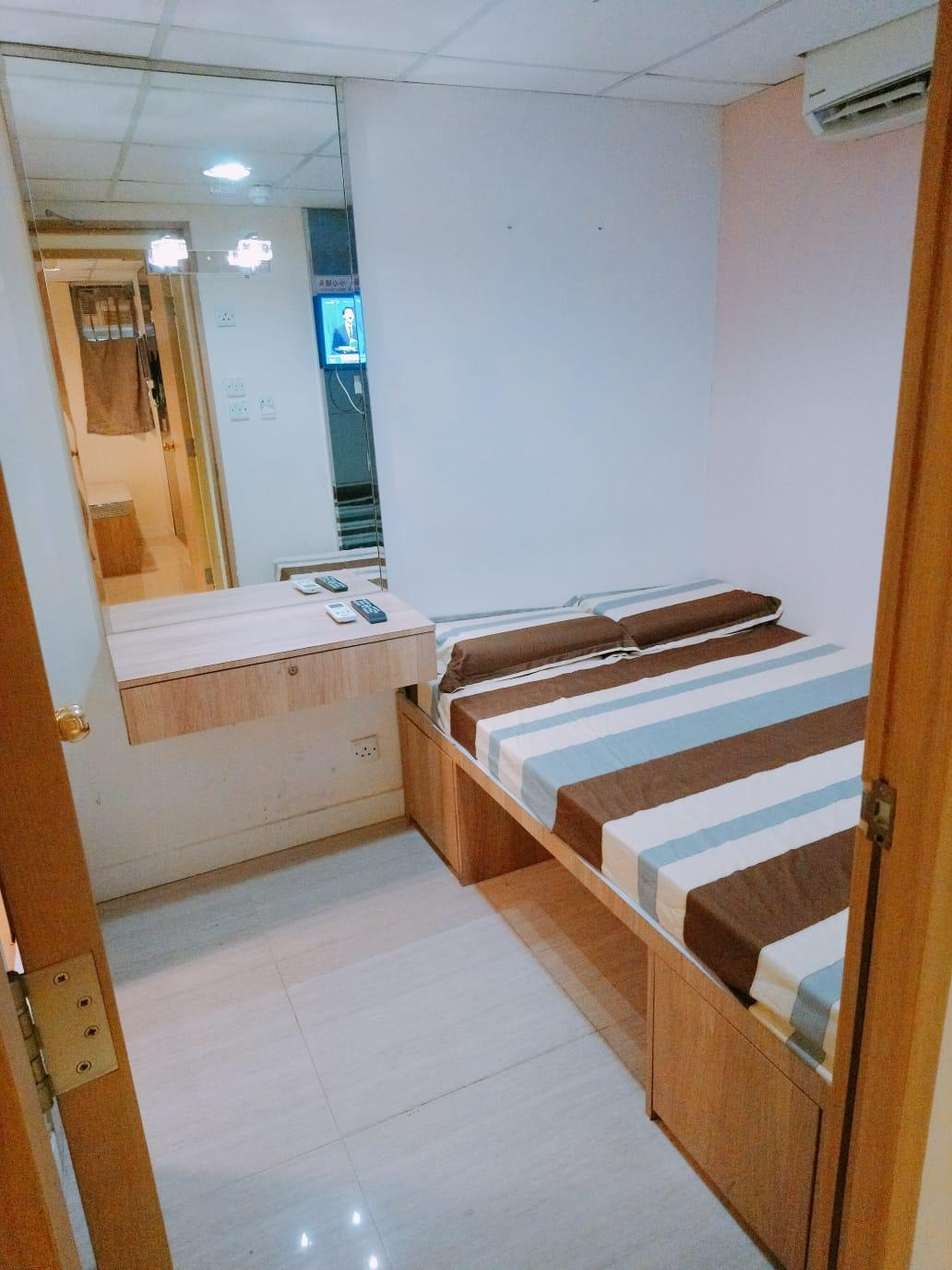 Tsim Sha Tsui MTR  17 New Studio Room Double Bed