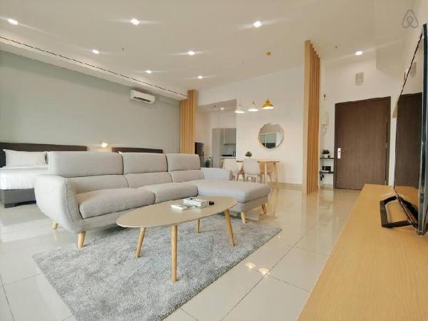 Midori Accommodation Suites @ Austin 18 12-17, JB Johor Bahru