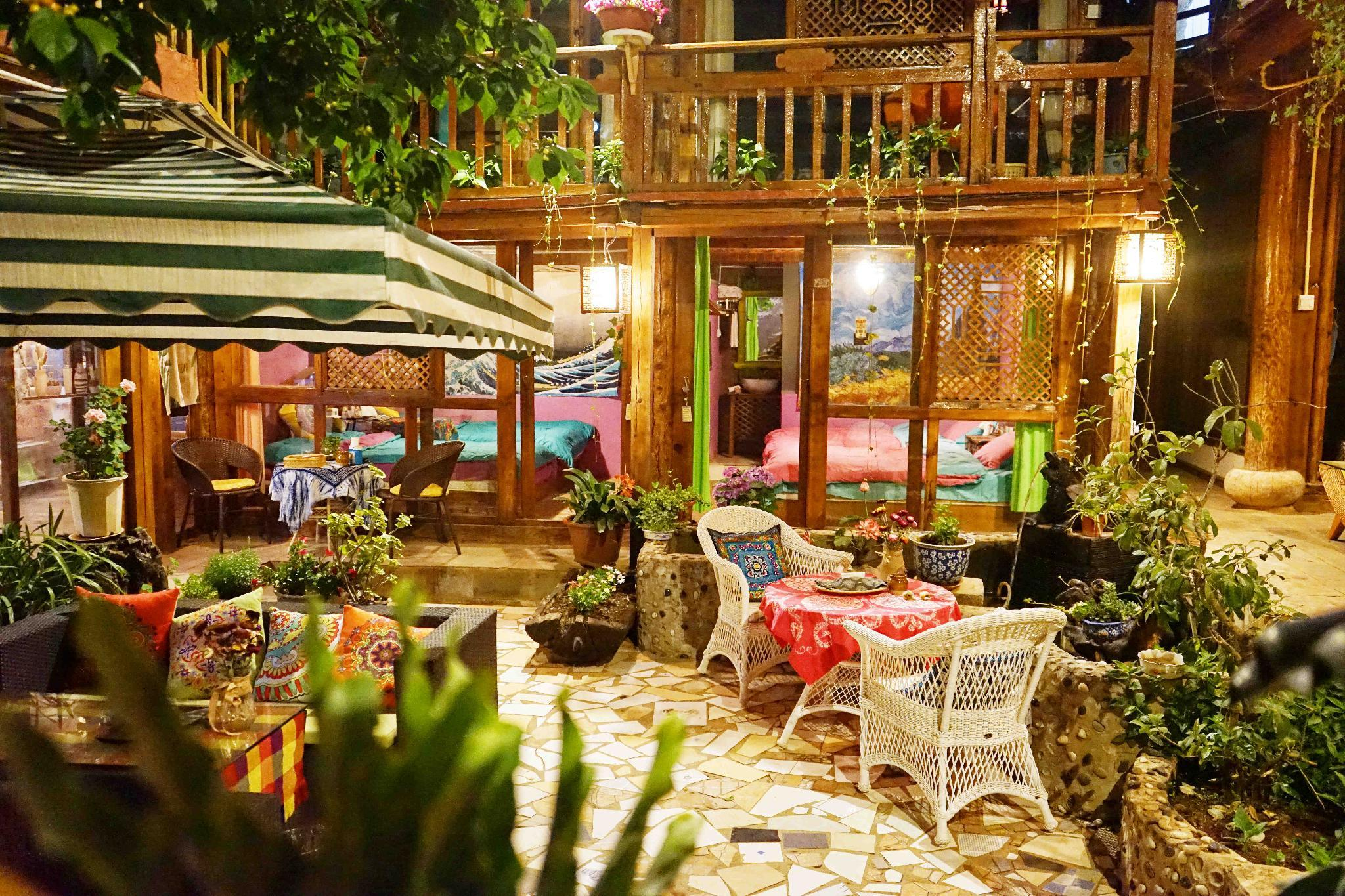 Cozy Twin Room In Lijiang Shuhe Acient Town