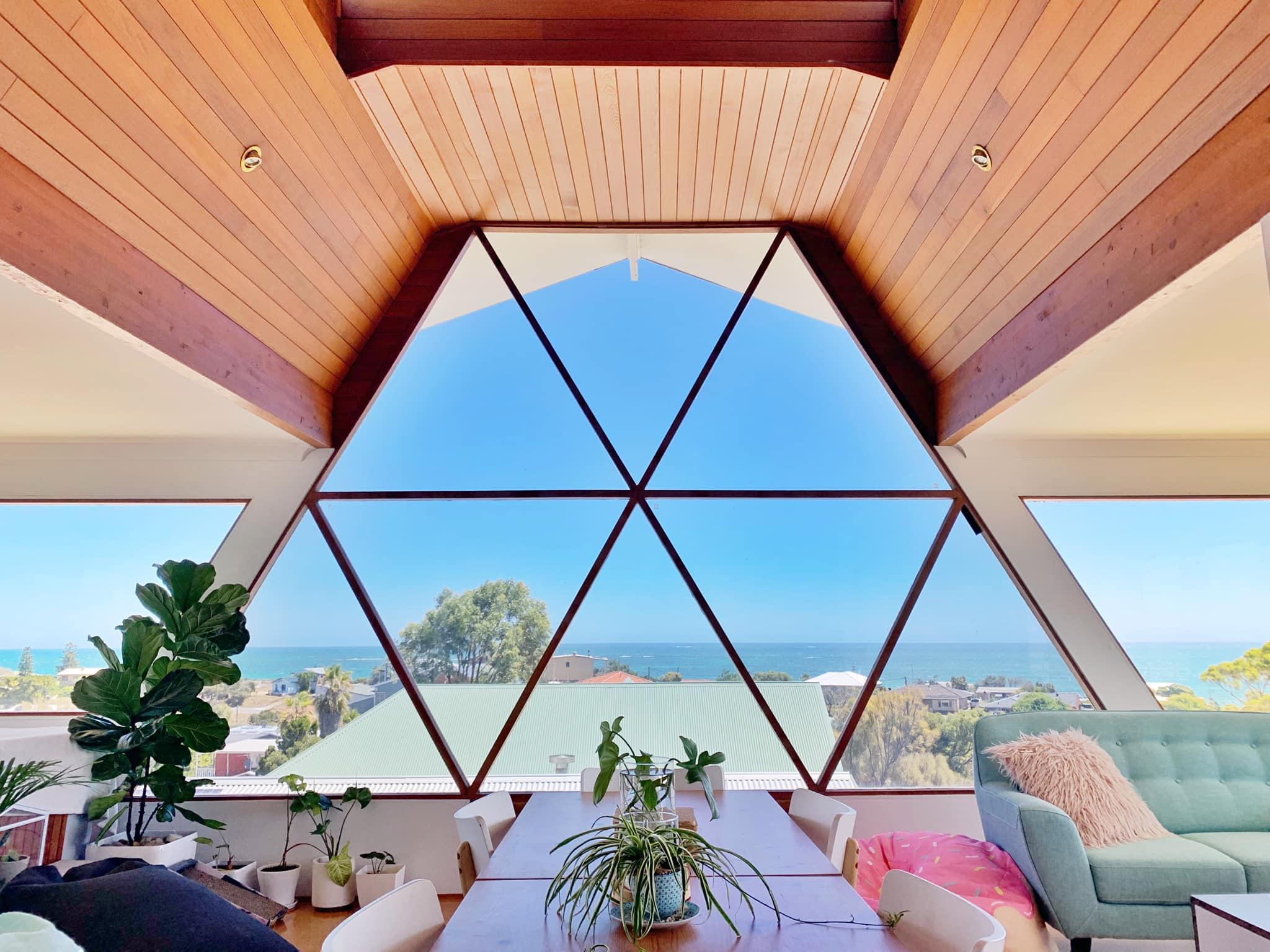 2 Rooms In Gorgeous Seaview Home By The Beach