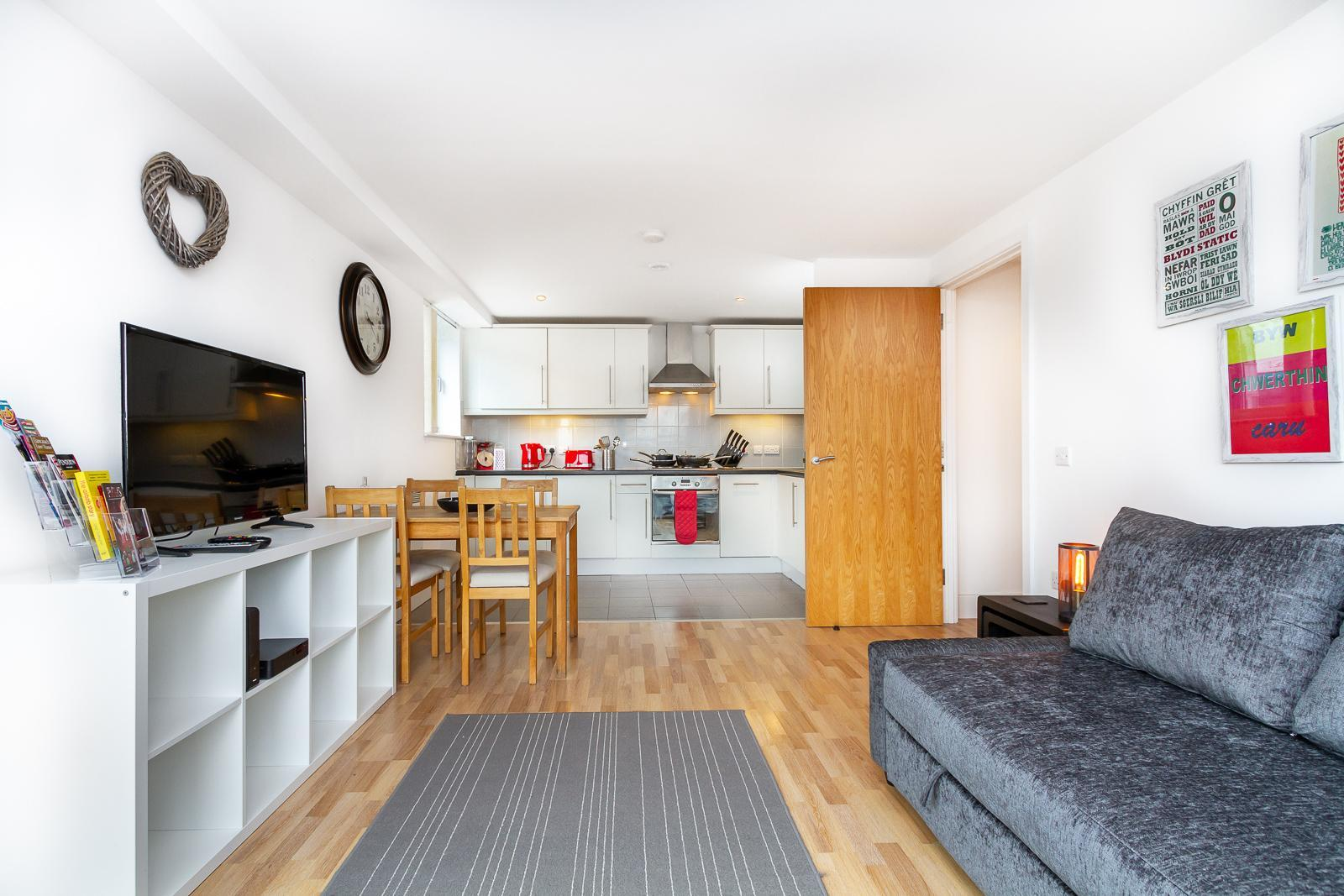 Central Cardiff City Apartment Perfect For Couples