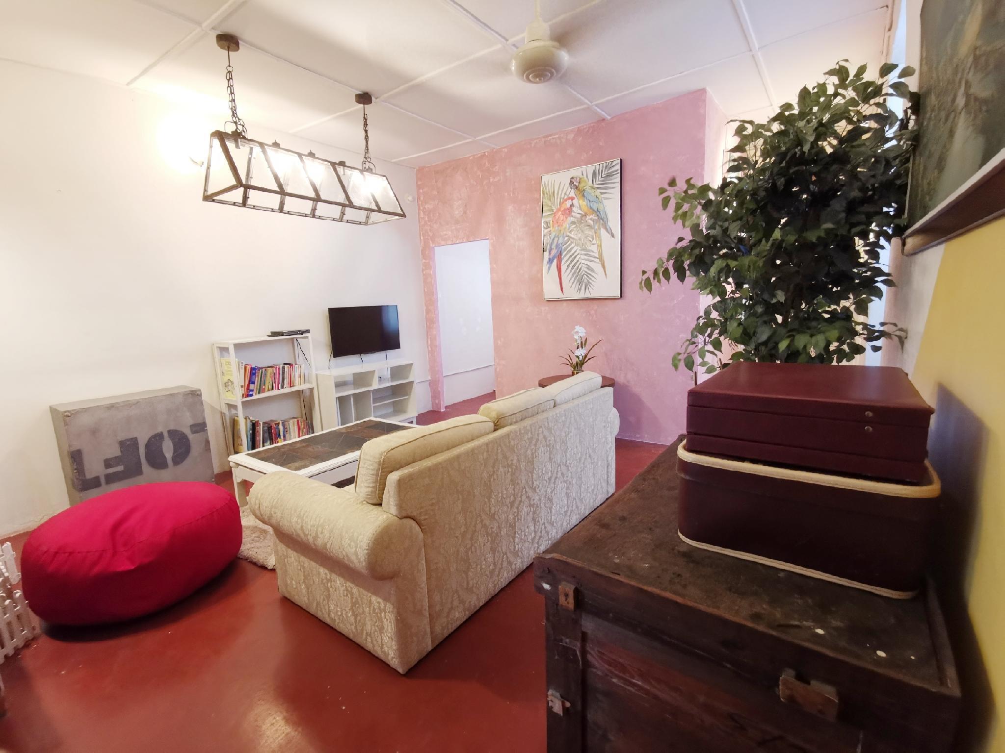 Pinky Cottage  Gurney